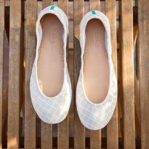 NIB Hand-Painted Custom Bridal Tieks Size 8